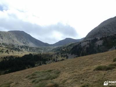 Andorra-País de los Pirineos; fotos de selva actividades de senderismo picos de europa naranjo de bu